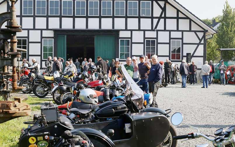 Oldtimer und Motorräder im Technikmuseum Freudenberg